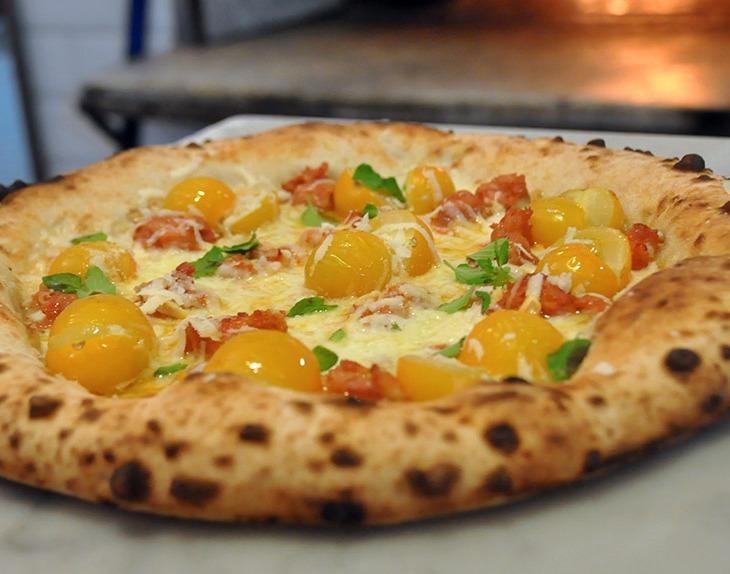 Pizza Giallo, Salsiccia e Pecorino