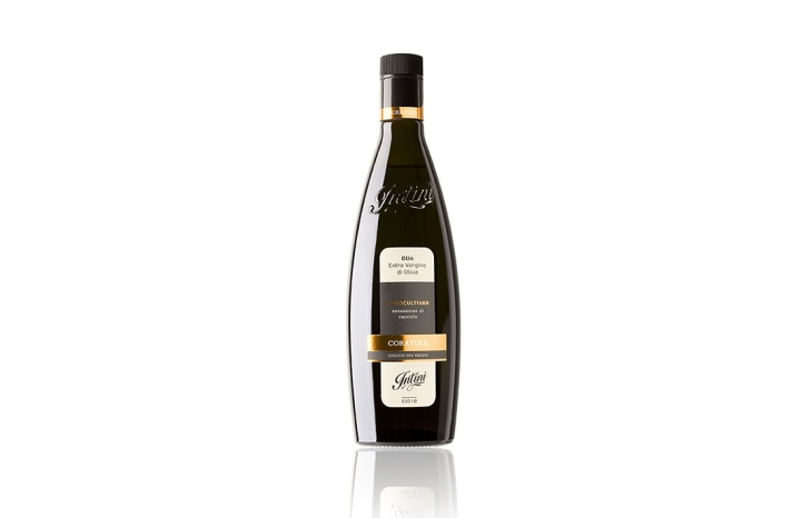 Bottiglia della premiata Coratina Intini