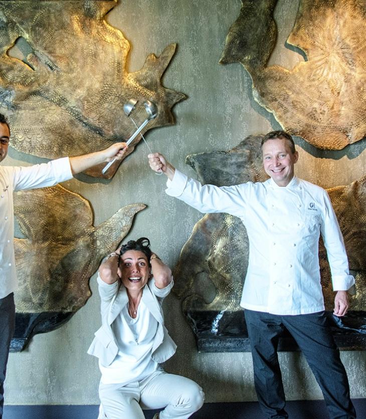 Gli chef Daniele Corona e Oliver Glowig con Rossella Macchia
