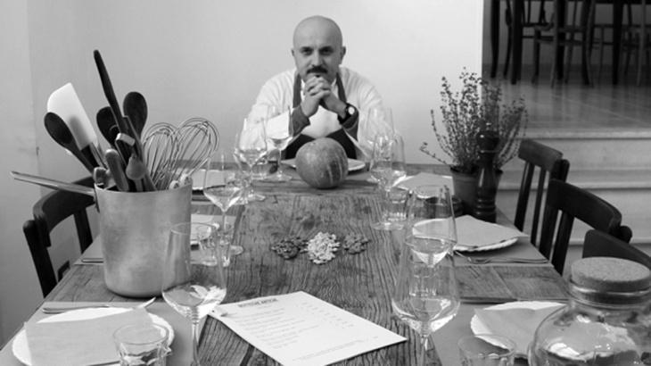 Lo chef Stefano D'Onghia nel suo locale