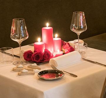 Il tavolo per la cena di San Valentino da Ecrudo