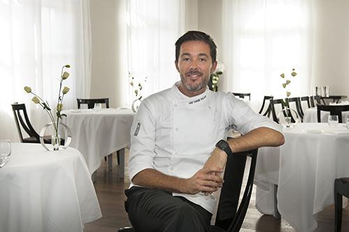 Lo chef stellato Davide Palluda nel suo Ristorante All'Enoteca
