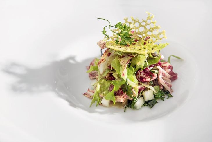 L'Insalata di lumache, burro chiarificato, mela verde ed essenza di prezzemolo di Davide Palluda