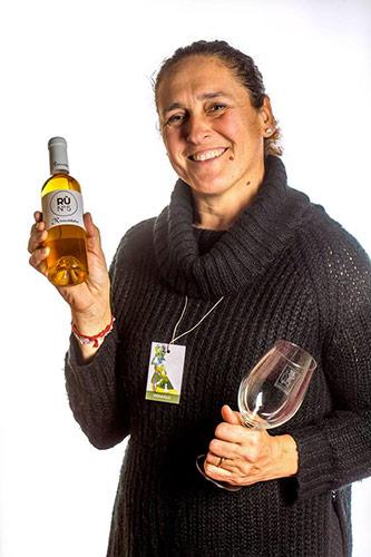 Alessia Carli, viticultrice della casa vinicola Rivecoldefer