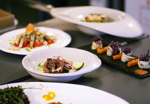 Alcuni golosi esempi di piatti Feat Food
