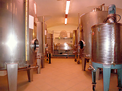 Laboratorio delle Distilleria Leardini