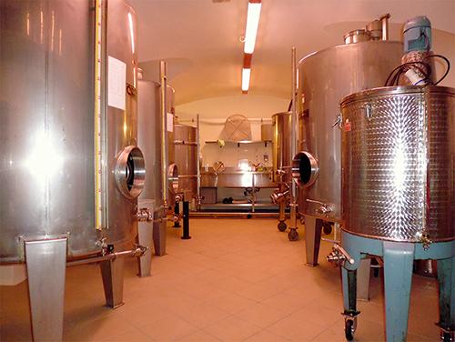 Laboratorio delle Distilleria Leardini