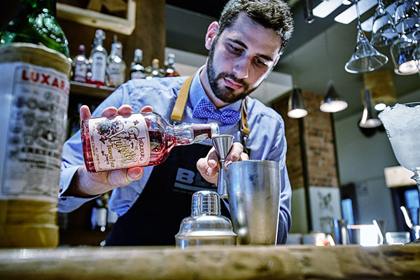 il Bartender Enrico Benetazzo