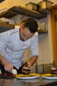 Lo chef Andrea Iacolino
