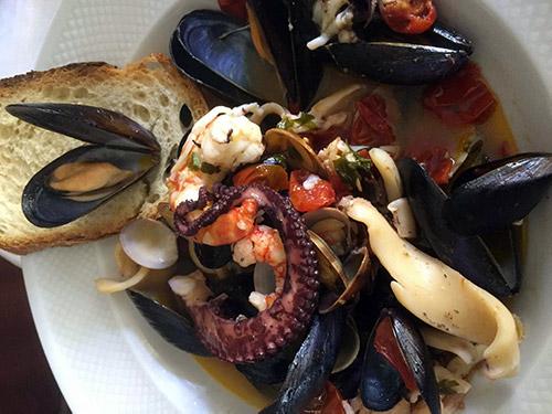 La Zuppetta di pesce senza lische dello chef Marino Marchi