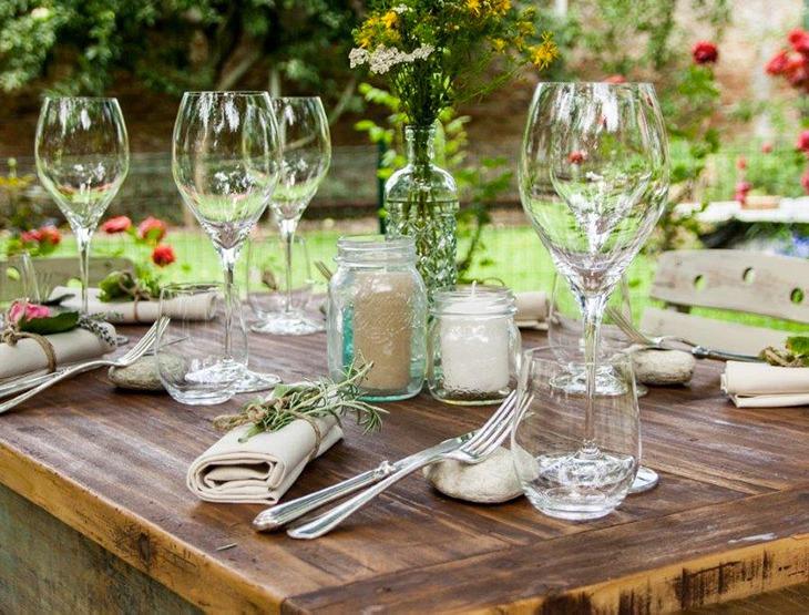 Gardenia Social Table