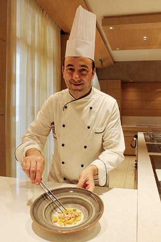 Lo chef Alessandro Salandini dell'Hotel Caesius di Bardolino