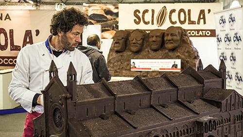 Sculture di cioccolato a Sciocola'
