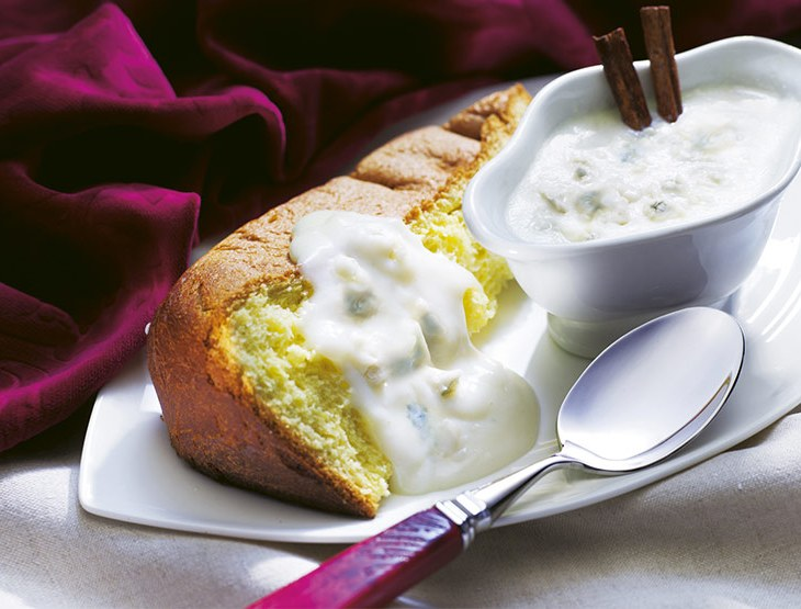 Pandoro con salsa al Gorgonzola