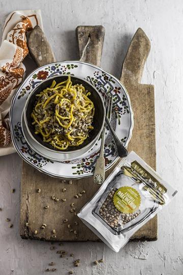 Curzul (pasta fresca tipica romagnola) allo scalogno e fagioli dall'Occhio