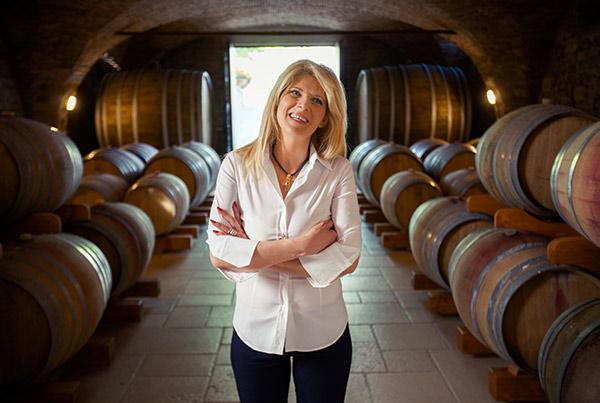 Annalisa Zorzettig, titolare dell'omonima azienda vinicola, nella sua cantina