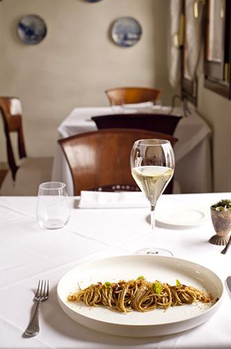 Interno di un ristorante in Franciacorta