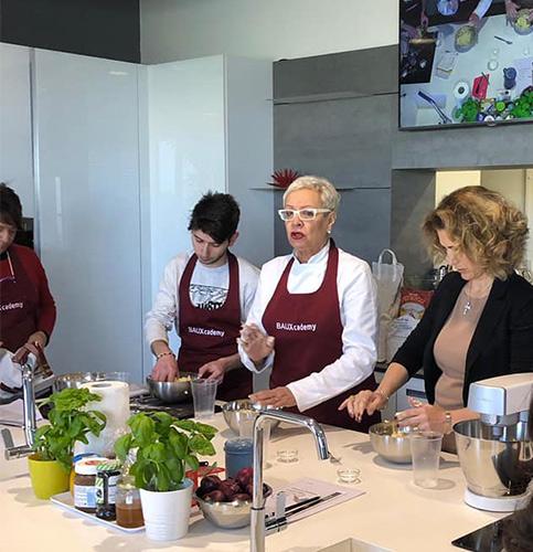 Angela Verdiani durante la Master Class presso le Cucine Baux