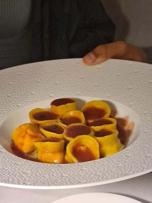 I Tortelli al Dentice con Spremuta di Pomodoro Crudo dello chef Gino Pesce
