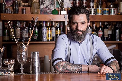 Max La Rosa barman e proprietario del Divan Japonais di Frascati (Roma)