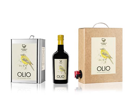 Lattina, bottiglia e bag in box dell'Olio di Antonella Corda