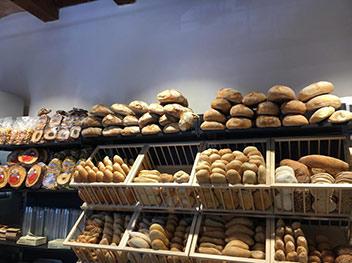 Gli espositori del pane di Cookery Rebibbia